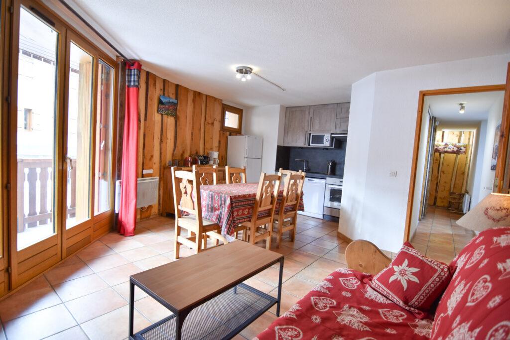 Wood lodge location valloire
